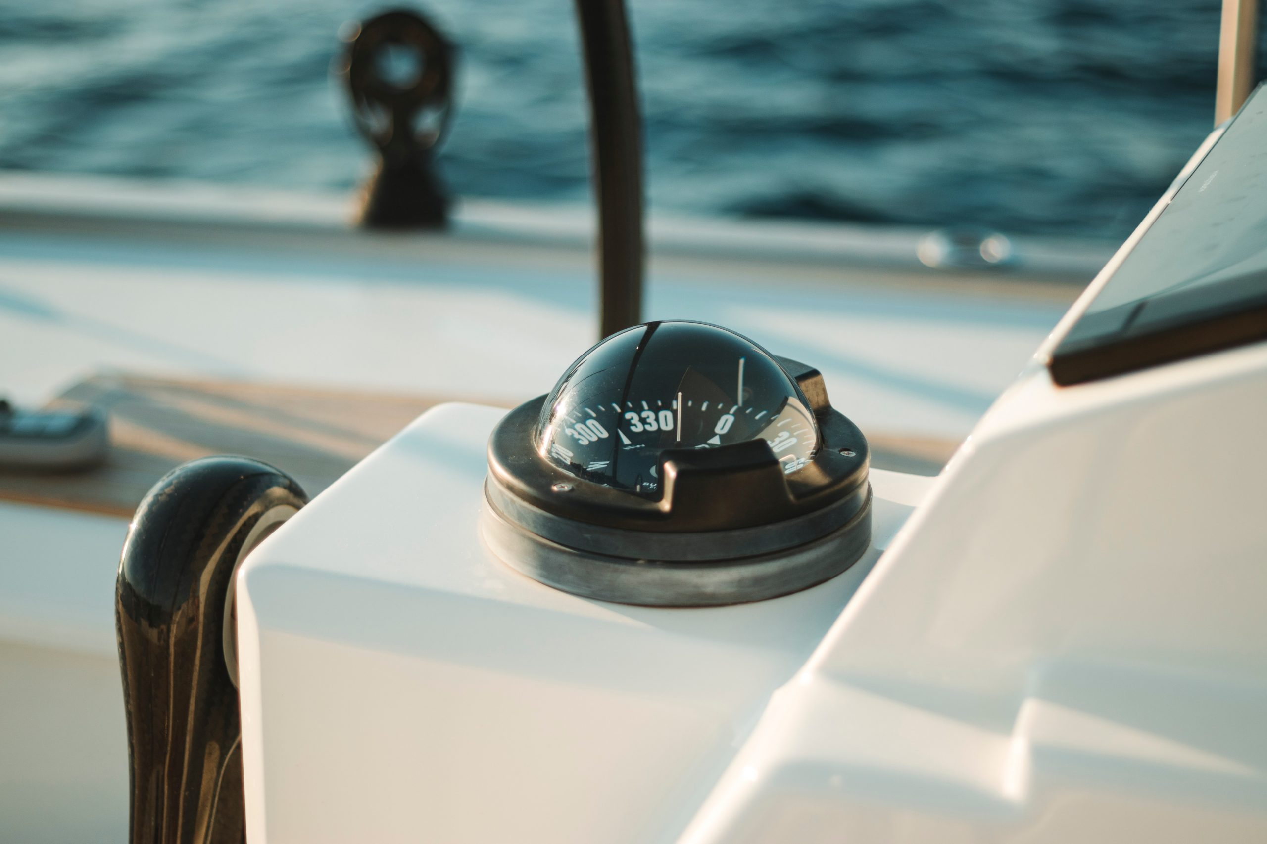 Picture of boat compass to navigate with